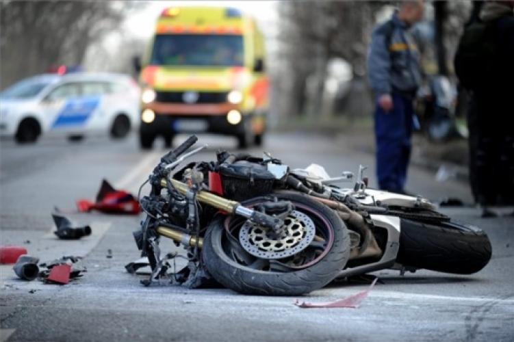 A rendőrség kéri az autósokat, fokozottan figyeljenek a motorosokra!