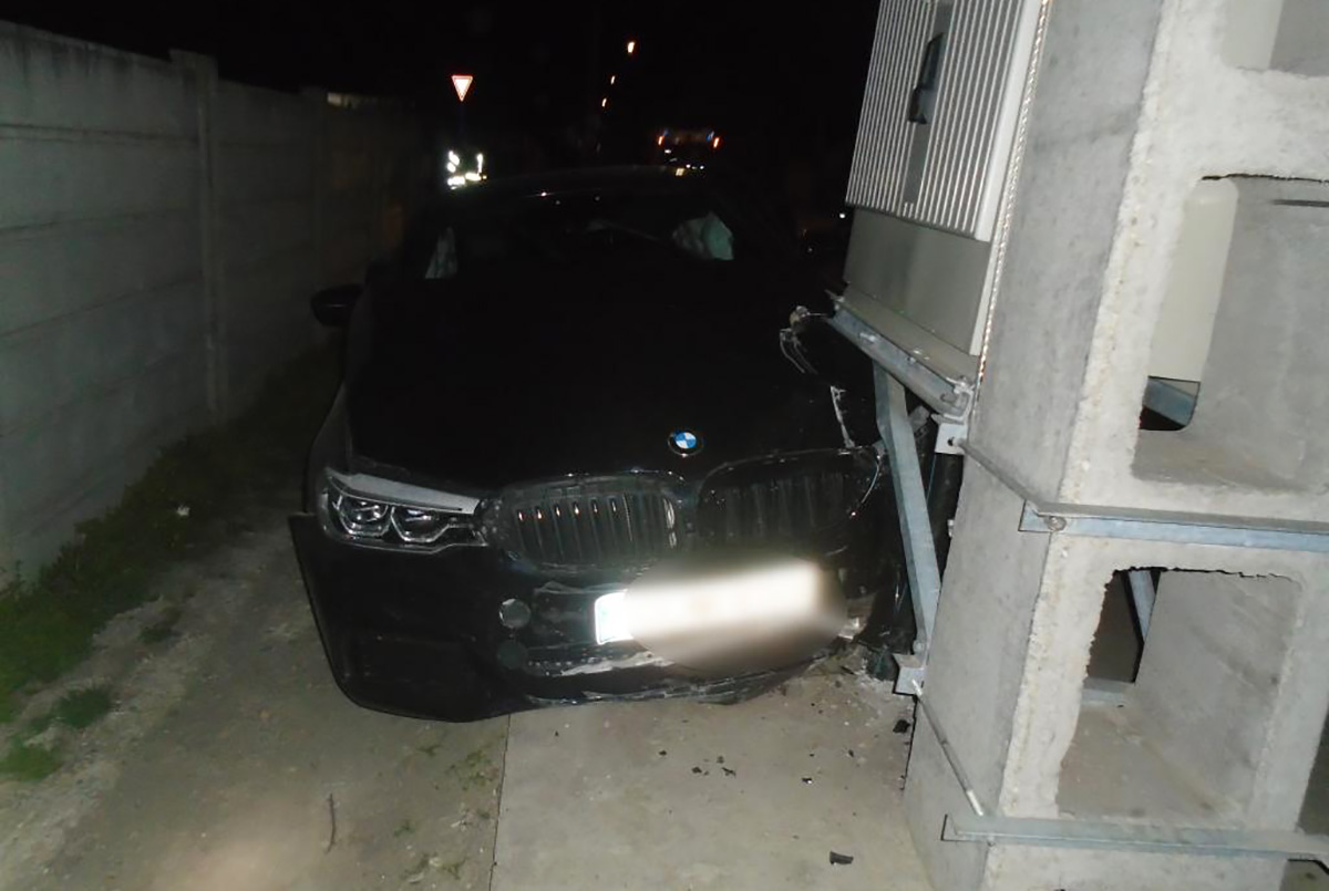 Két személyautó ütközött Békéscsabán, a Kolozsvári utcában