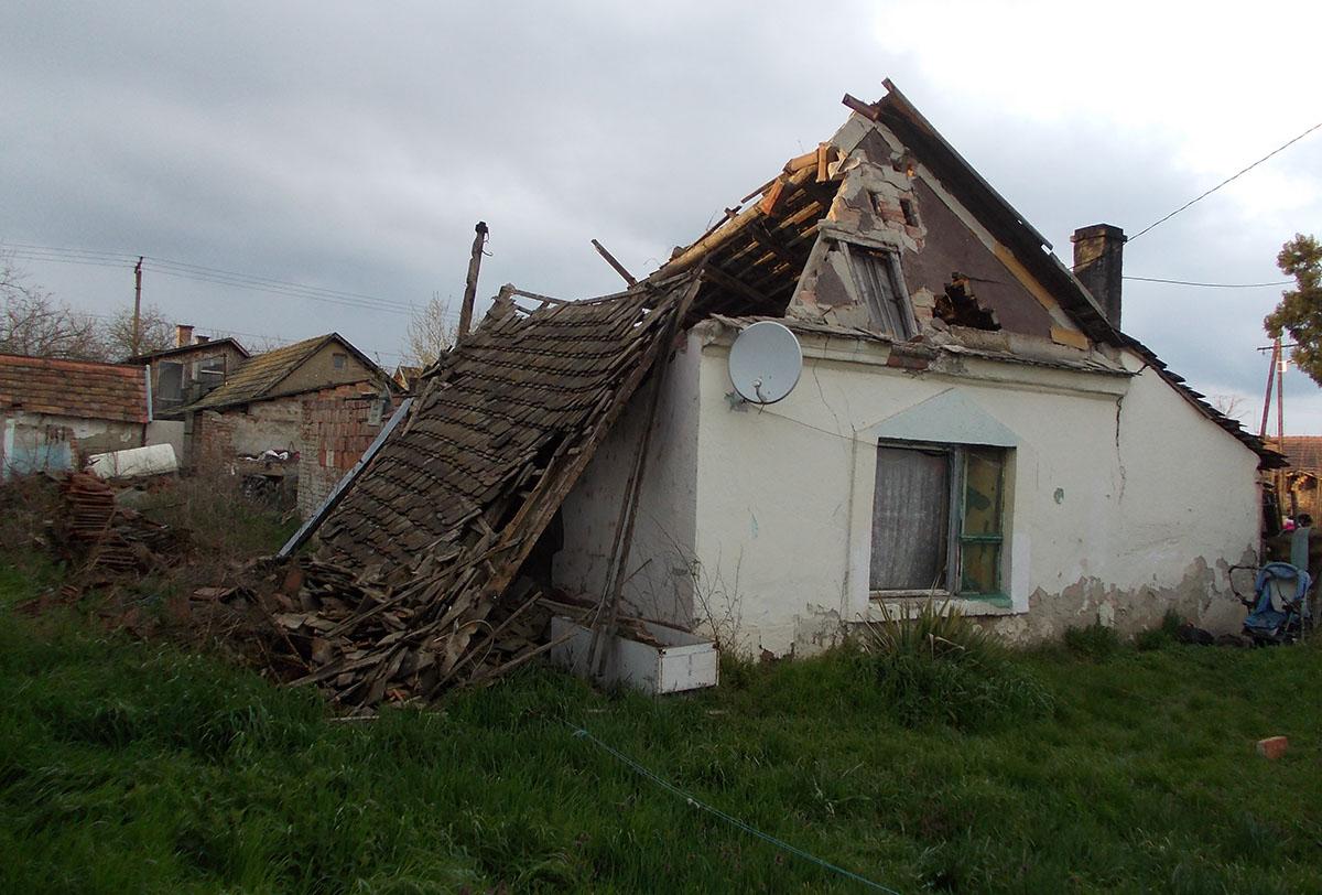 Beomlott egy családi ház tetőszerkezete Orosházán