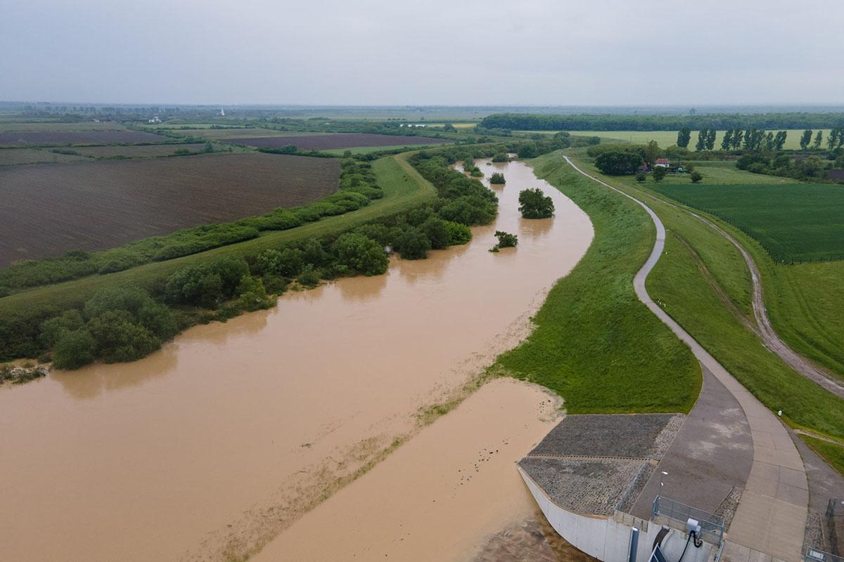 Elsőfokú árvízvédelmi készültséget rendeltek el a Fekete-Körösön