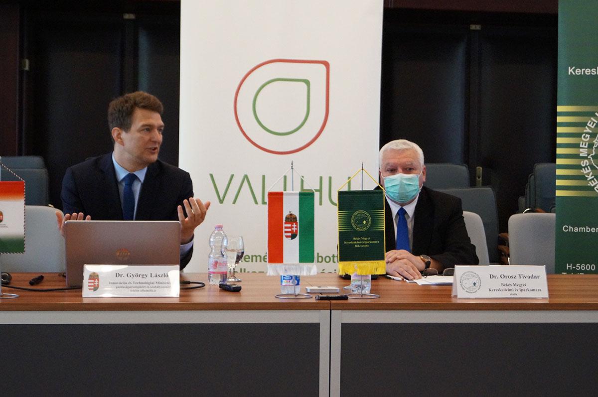 Vállalkozók egyeztettek a békéscsabai fórumon