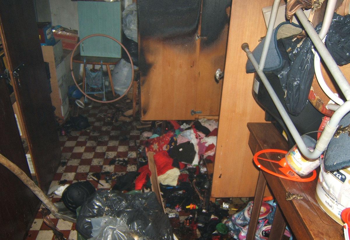 Társasház tárolójában keletkezett tűz Szarvason, a Béke lakótelepen