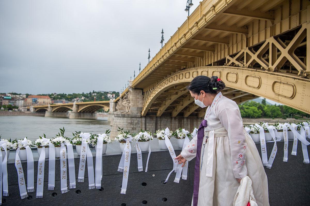 Felavatták a Hableány áldozatainak emlékművét