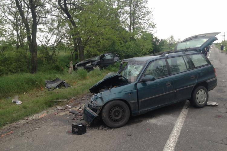Autóbalesetben vesztette életét egy 9 éves gyermek Nagyszénásnál