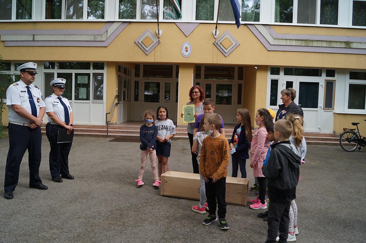 Átvették nyereményüket a gyerekek, Lencsési Általános Iskola