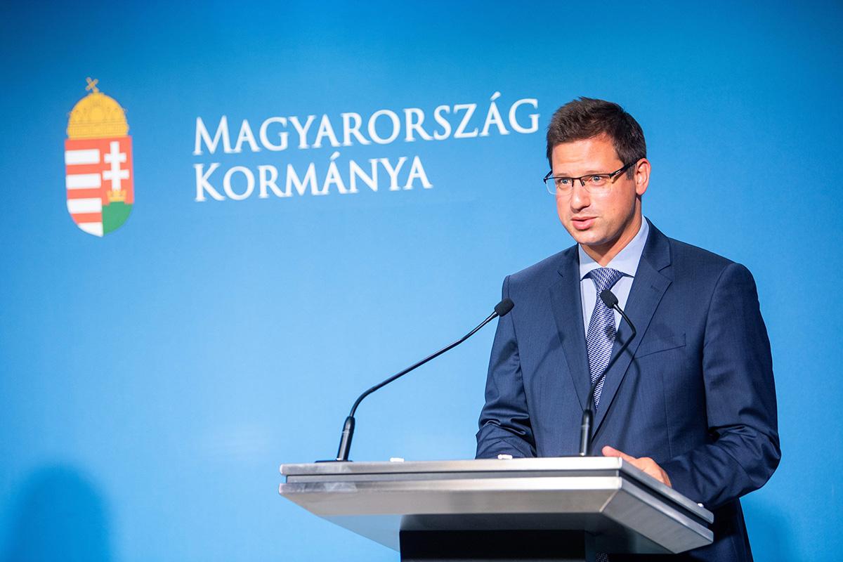 Magyarországon is hatályba lép az EU-s zöld útlevél