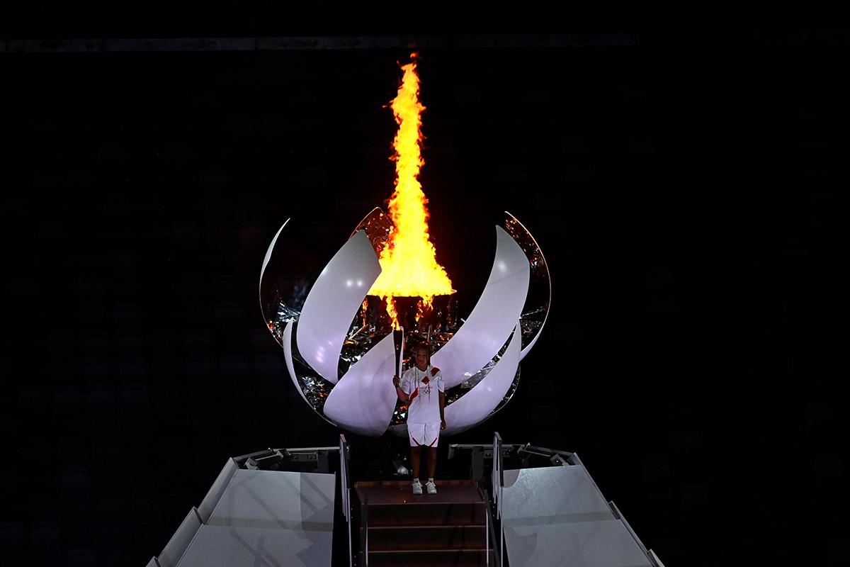 Oszaka Naomi gyújtotta meg az olimpiai lángot