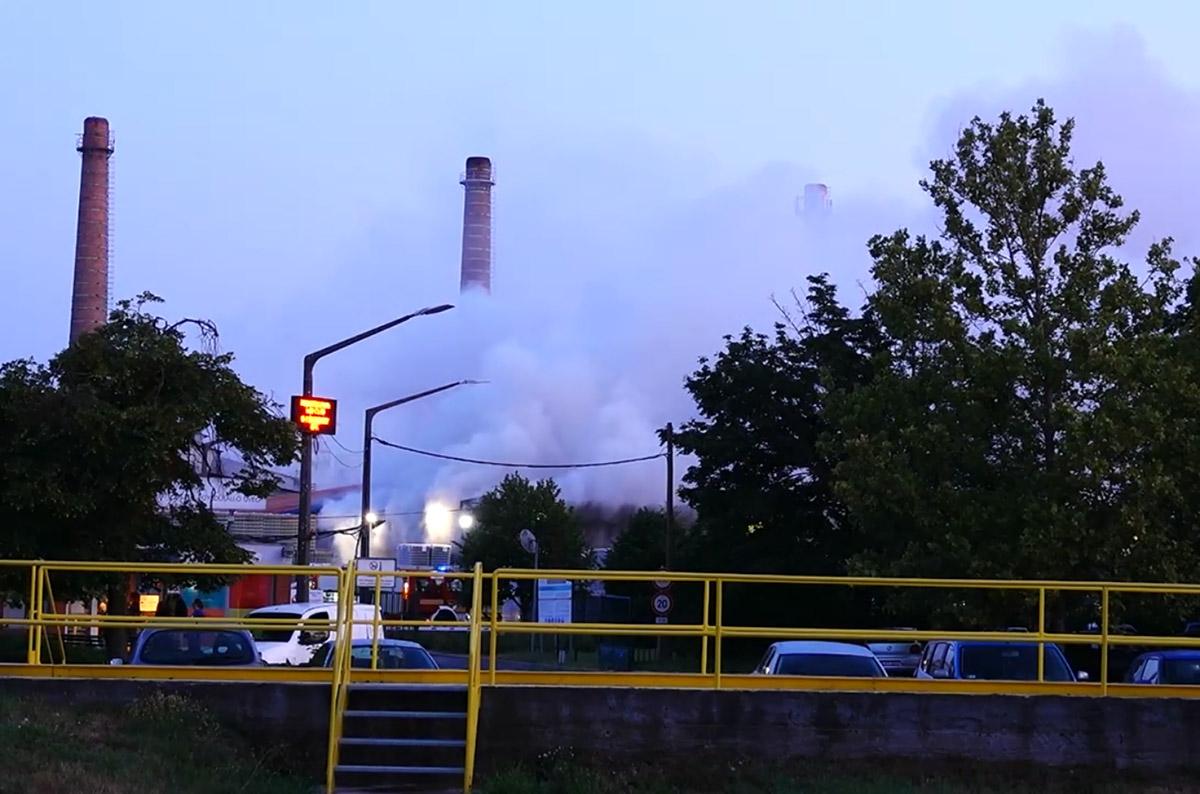 Tűz keletkezett egy gyárüzem raktárában Orosházán