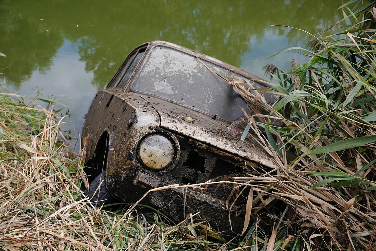 Több mint húsz éve ellopott Lada került elő a Zala folyóból