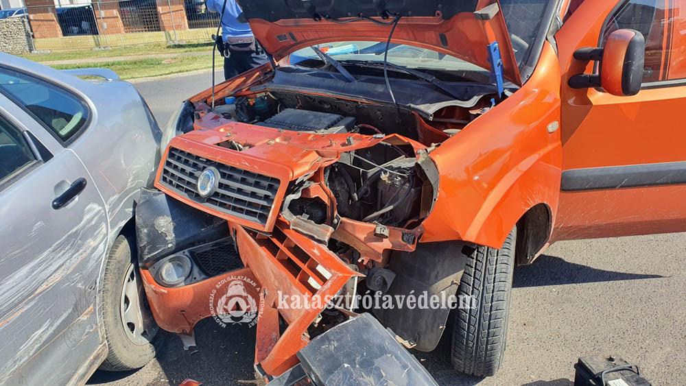 Két autó karambolozott Gyulán