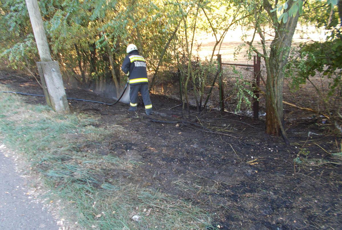 Területtüzekhez riasztották a Békés megyei tűzoltókat