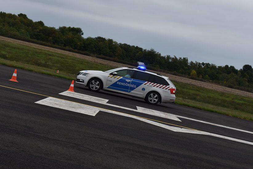 rendőrségi verseny, rendőr, villogó