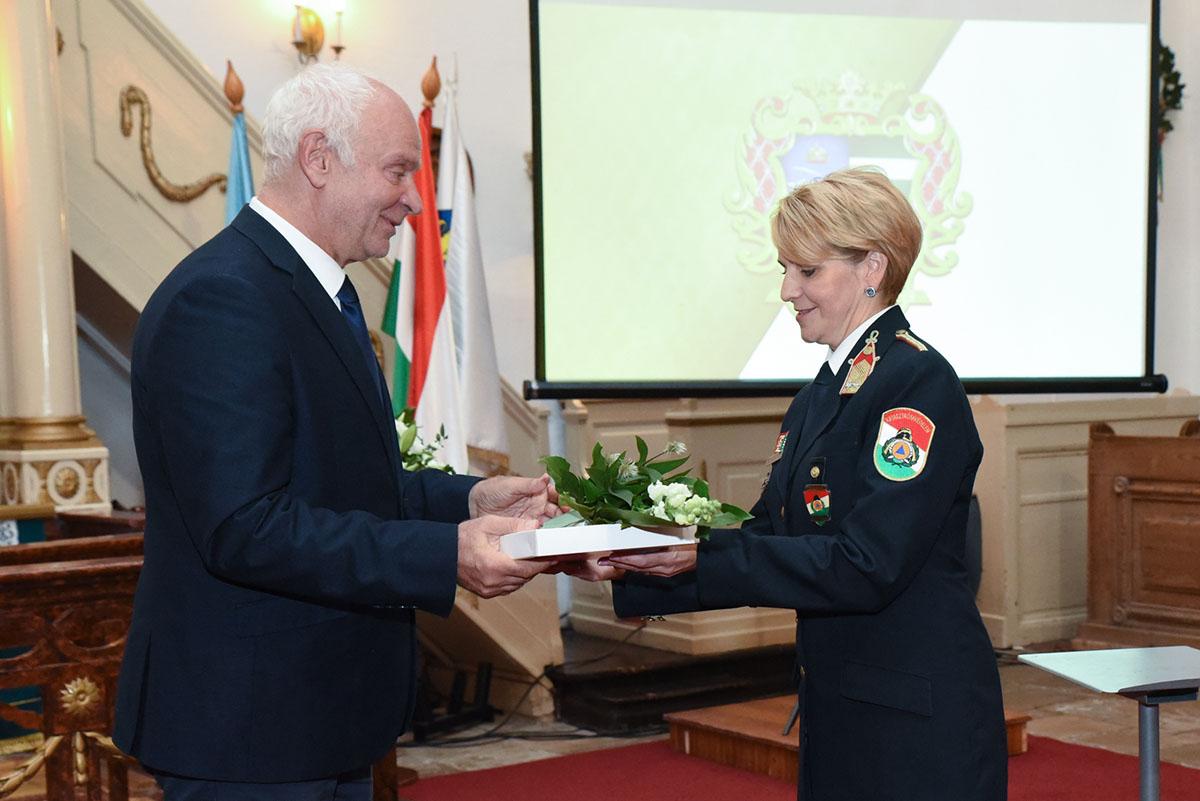 Elnöki elismeréssel díjazták Vinczéné Varga Ágnest