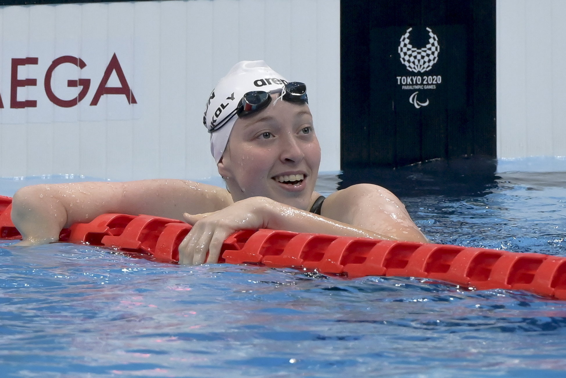 Konkoly Zsófia aranyérmes 100 méteres pillangóúszásban