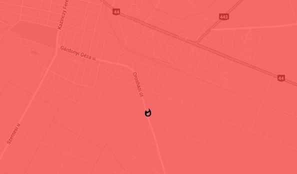 Kiégett egy teherautó fülkéje és motortere Szarvason