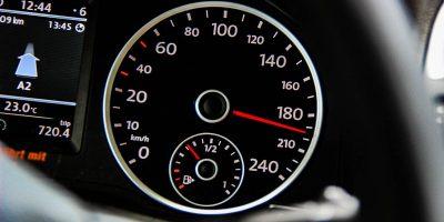 gyorshajtás