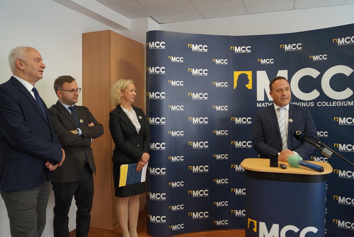 Békéscsabán is megalakult a Mathias Corvinus Collegium tehetséggondozó központja