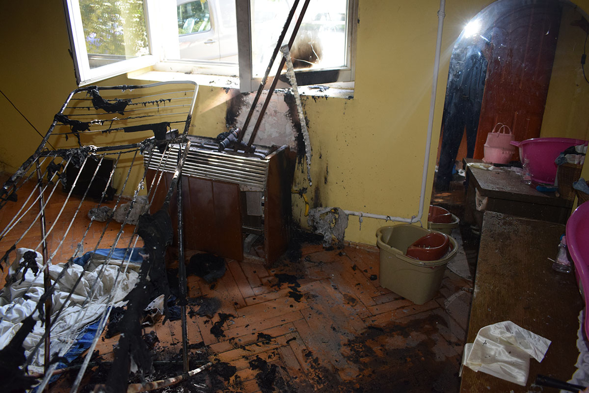 Gázkonvektor és a mellette szárított ruhák gyulladtak meg Szarvason