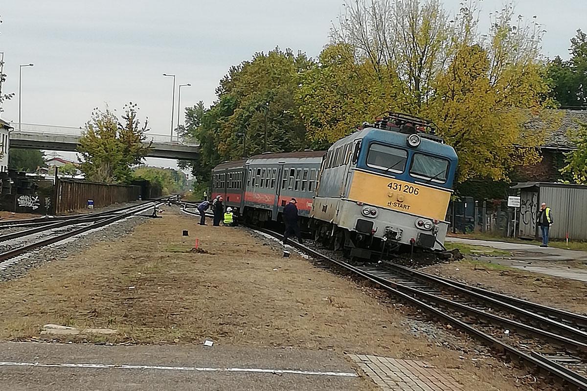 kisiklott vonat Szeged
